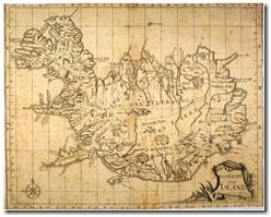Íslandskortið er fengið af vefsíðunni: http://kort.bok.hi.is/kort.php?a=gm&id=570. Höfundur þess er Niels Horrebow og útgáfuár 1752, árið áður en Árni Magnússon hóf reisur sínar. Langt var í land á þessum tíma með nákvæma kortaútgáfu en kortið er þó umtalsverð bragarbót frá öðrum fyrri.